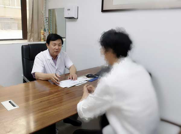 河南省医药院特邀北京天坛医院肝病专家谢玉民亲诊